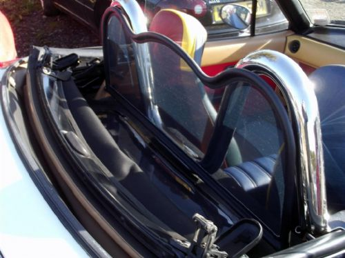 Wind deflector, black mesh windblocker, MX-5 mk1 & mk2, R shape, NEW